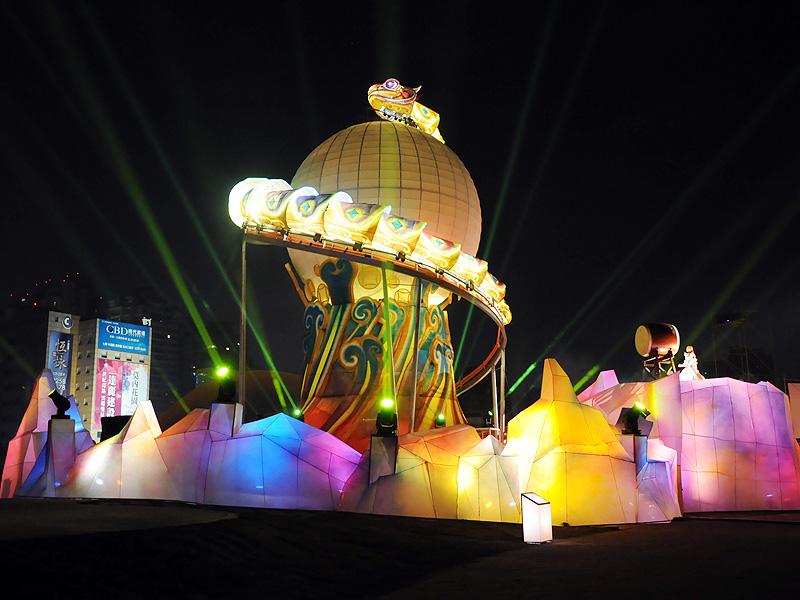 2013中臺灣元宵燈會 閃亮夜空主燈秀試燈搶先看!
